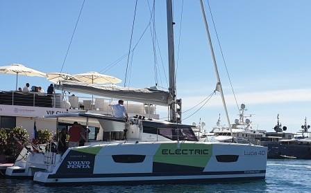 La barca a Cannes