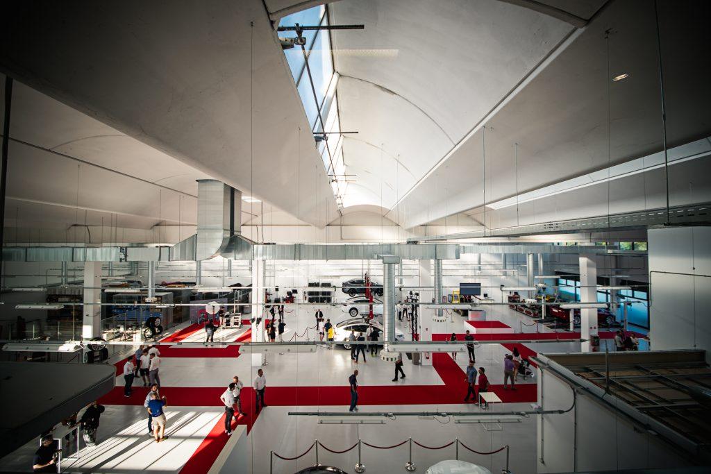 nuovi Tesla Center