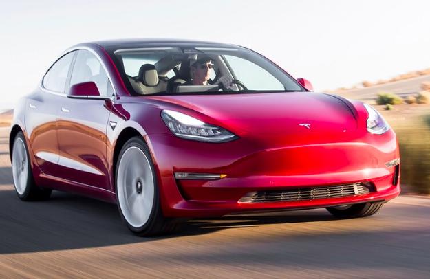 Tesla e Porsche