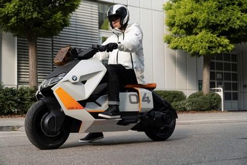 sscooterone elettrico BMW