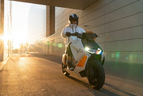 scooterone elettrico BMW