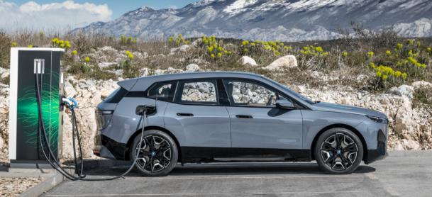 BMW raddoppia