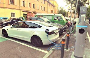 parcheggio ricarica