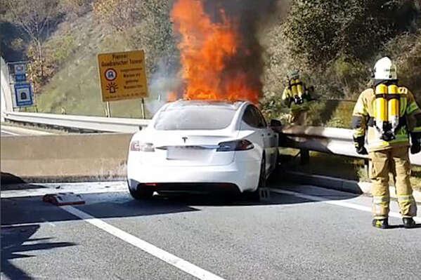batteria in fiamme