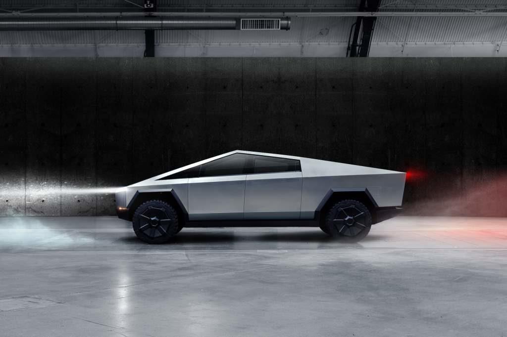 Tesla Quad: Elon Musk conferma, arriverà entro il 2021