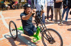 il campione con i pedali elettrici