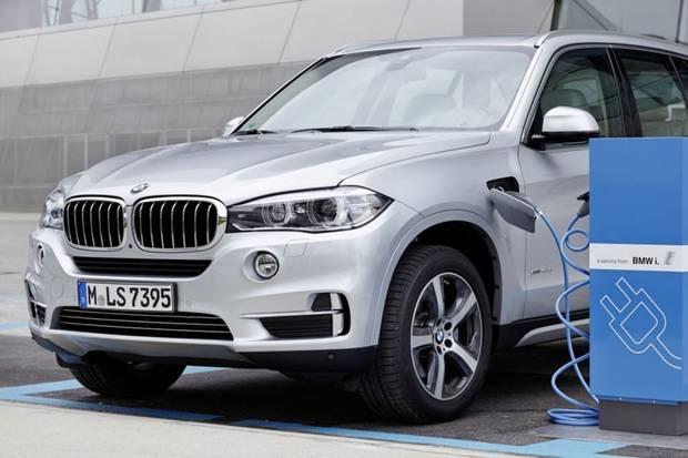 BMW X5 plug-in
