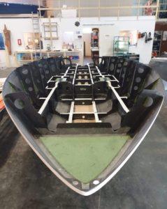 Lo scafo di candela speed boat