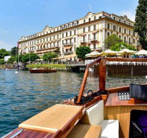 Barca davanti a Hotel