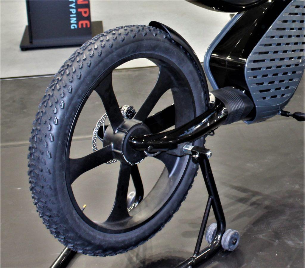 Seat entra nel mercato delle due ruote con uno scooter 100% elettrico