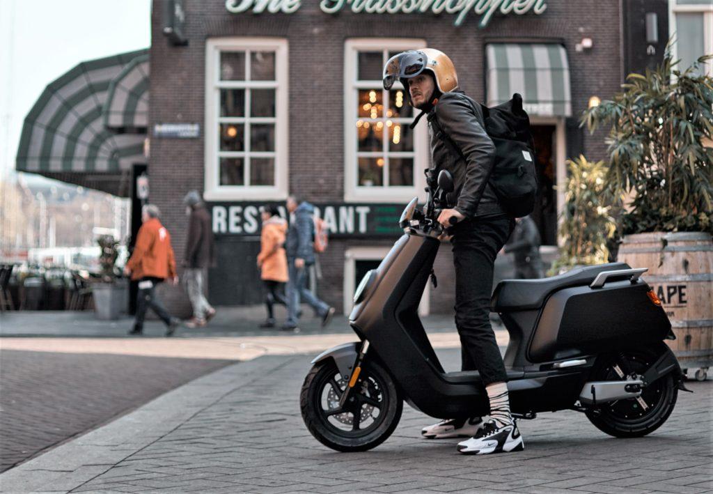risparmia scooter, niu