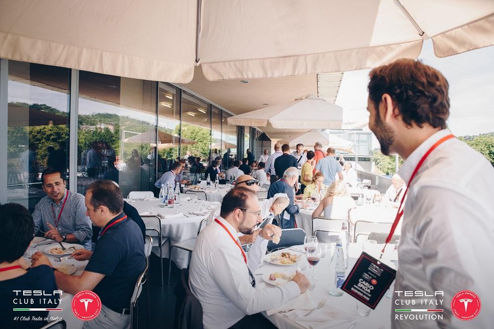 Tesla Revolution il pranzo