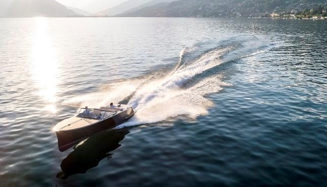 Il motoscafo Vita sul Lago Maggiore