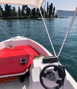 Il bel panorama dalla barca