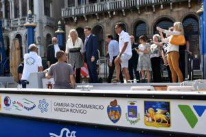 CARGO 31 sfila a Canal Grande