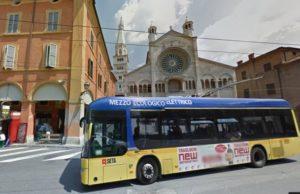 Passaggio davanti al Duomo
