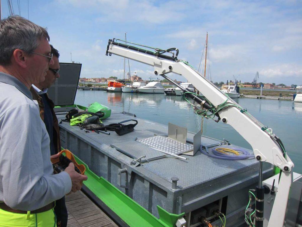 La barca elettrica a Venezia