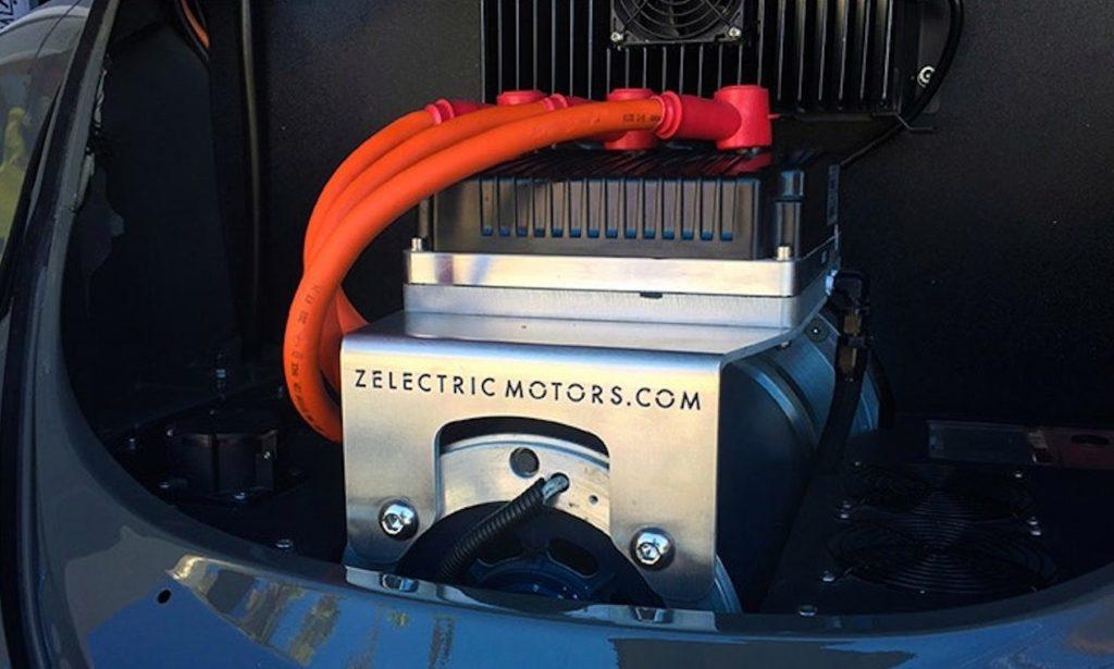 Il motore elettrico da 102 cv montato nella vecchia Beetle