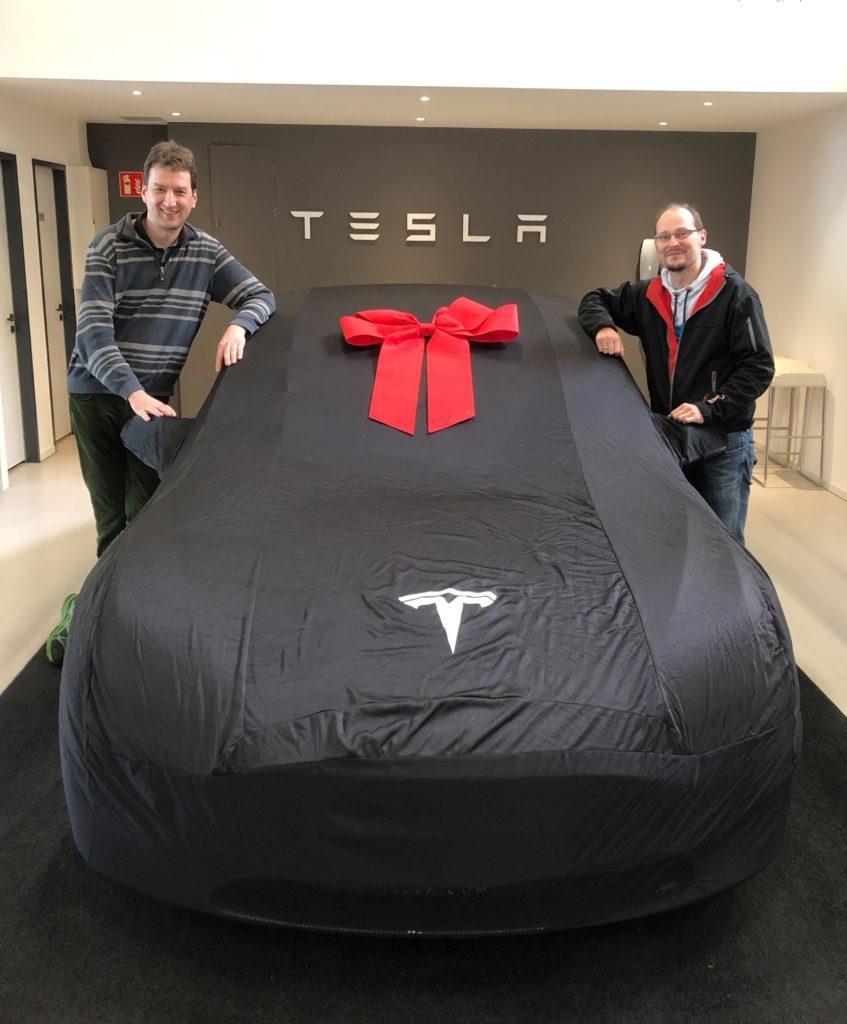 Tesla Nextmove