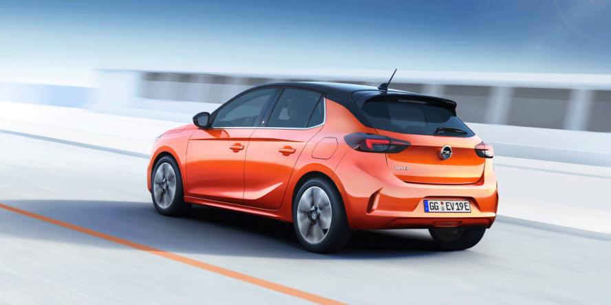Opel Corsa-e dietro