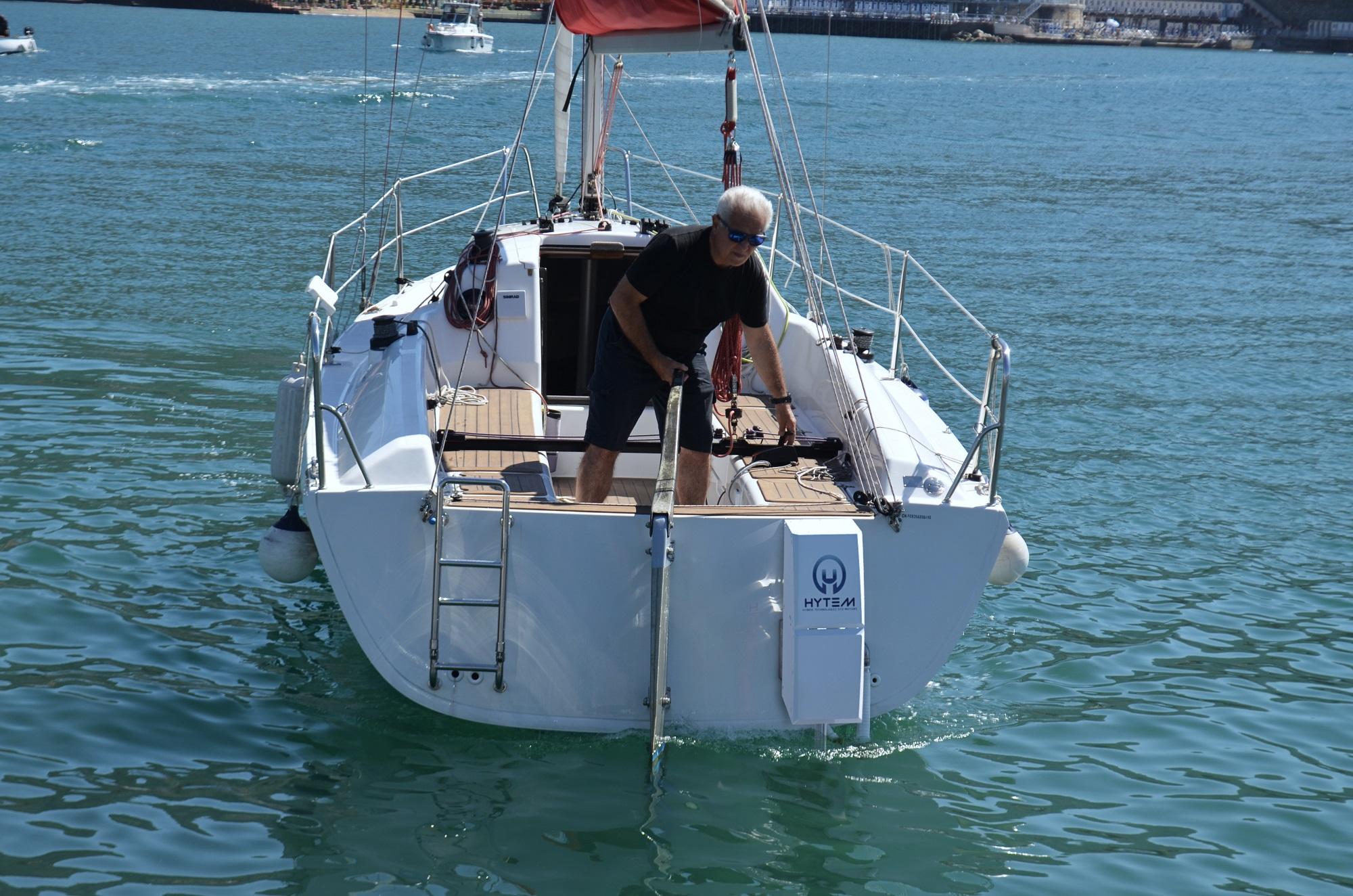 Daniele Bossi a bordi della Far East con motore elettrico