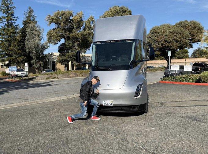 Dedmau 5 Tesla