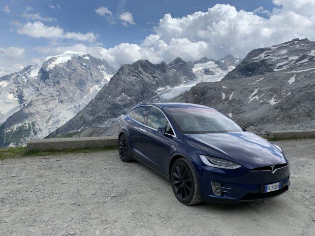 Dopo l'ibrido la Tesla