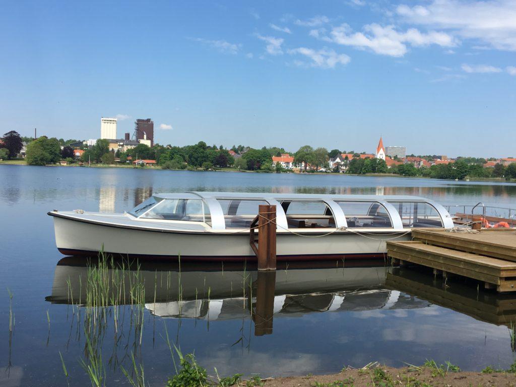 la barca turistica elettrica